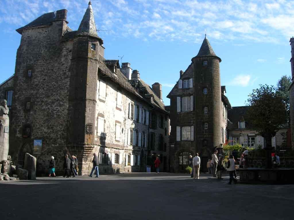 Cantal tourisme salers puy mary - Office du tourisme salers ...